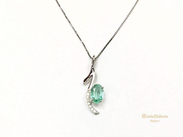 Collana con smeraldo